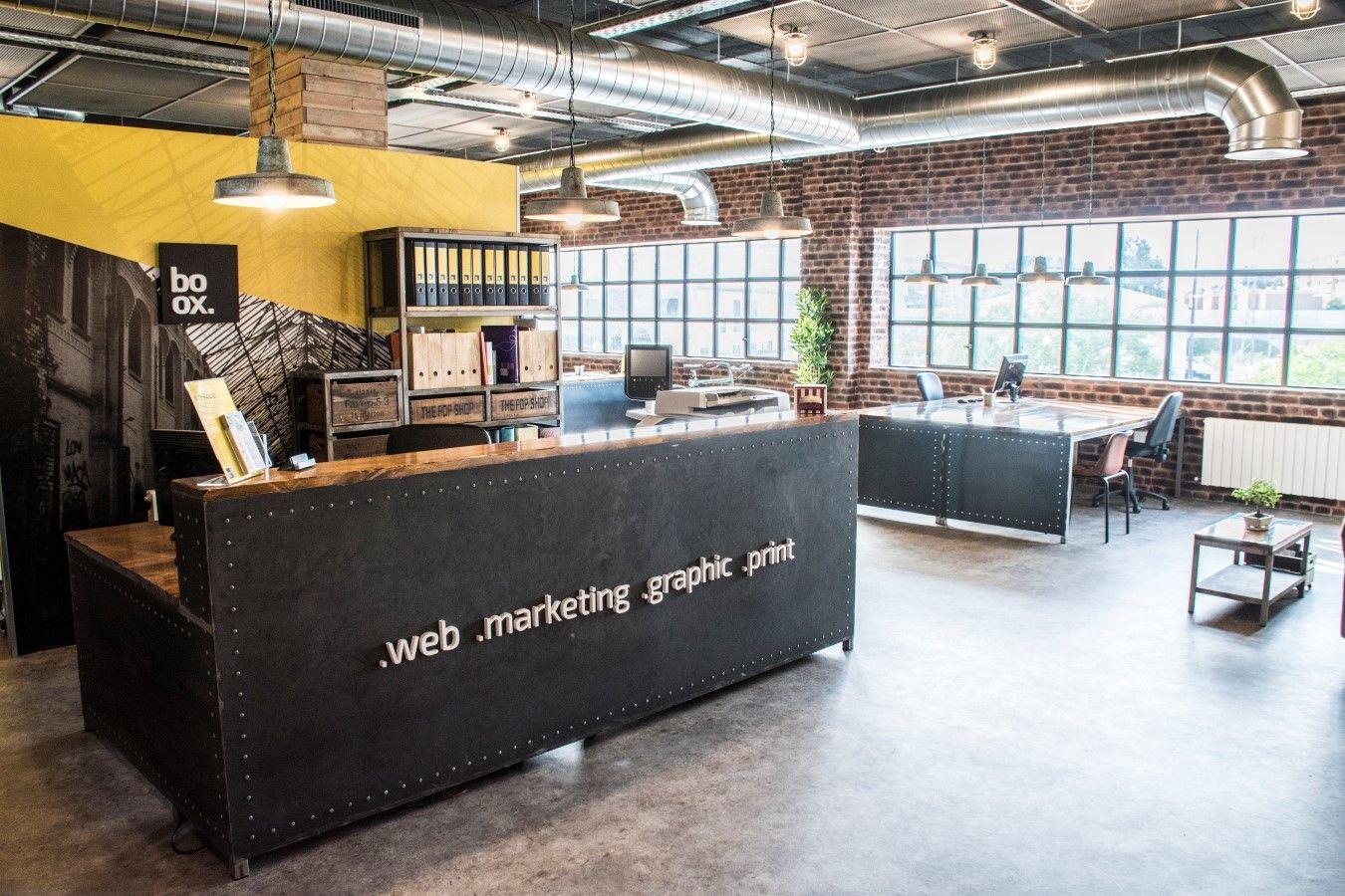 Oficinas estilo industrial de Boox, situadas en Jerez de la Frontera.  http://www.boox.es  Industrial style office
