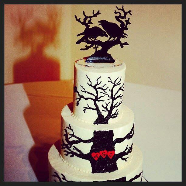 Raven wedding cake