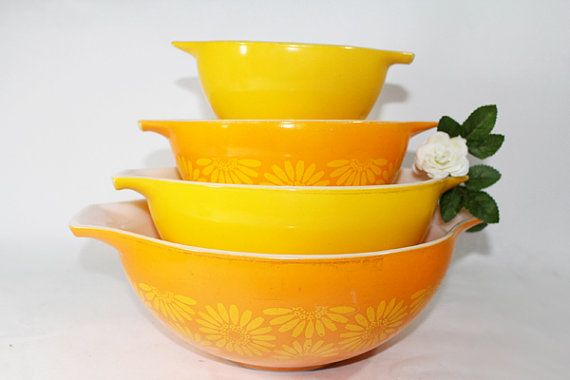 Vintage Pyrex Mixing Bowls, Cinderella, Daisy Pattern in Yellow and ...