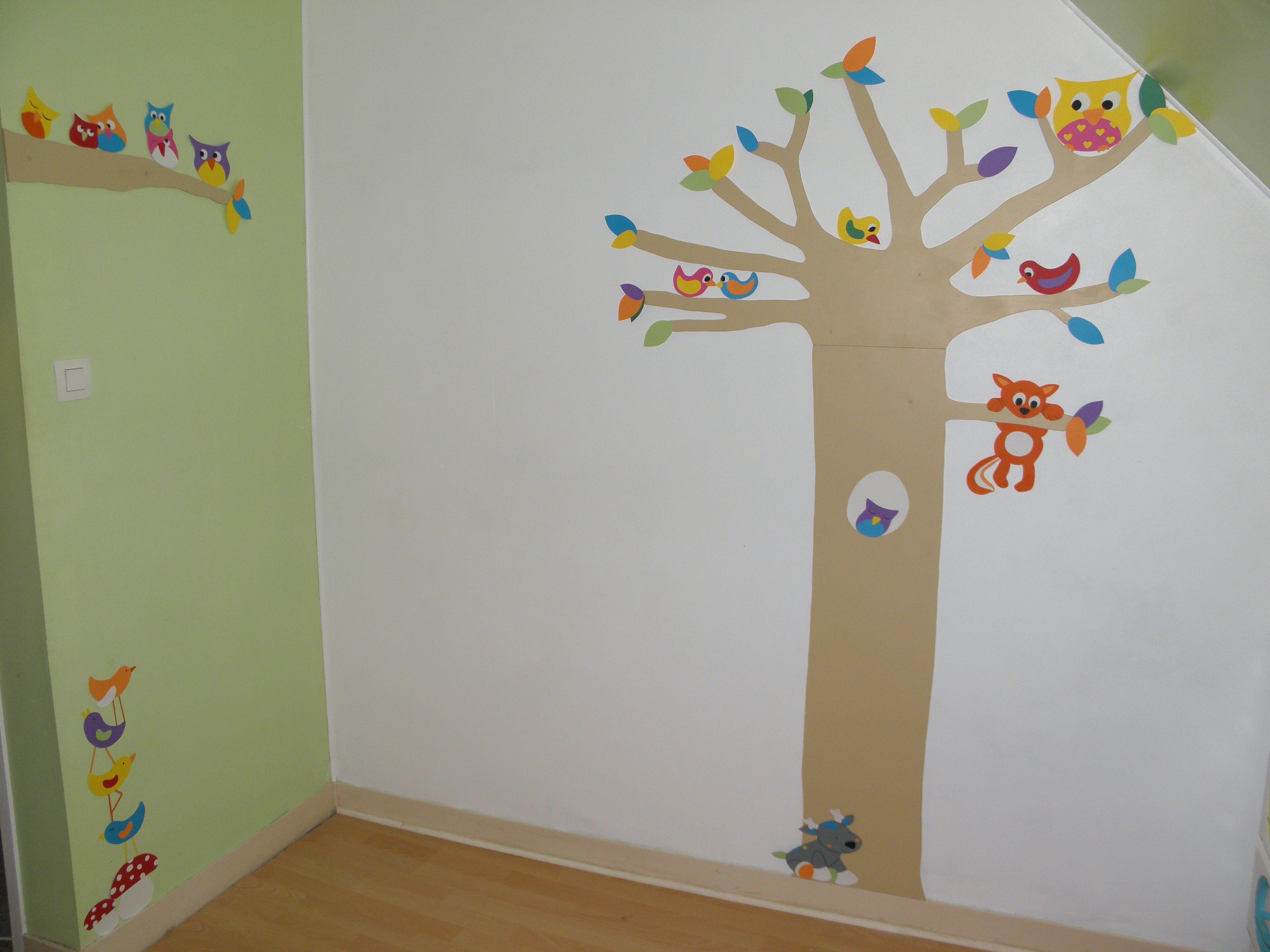 déco chambre forªt structure arbre et branche en bois peint