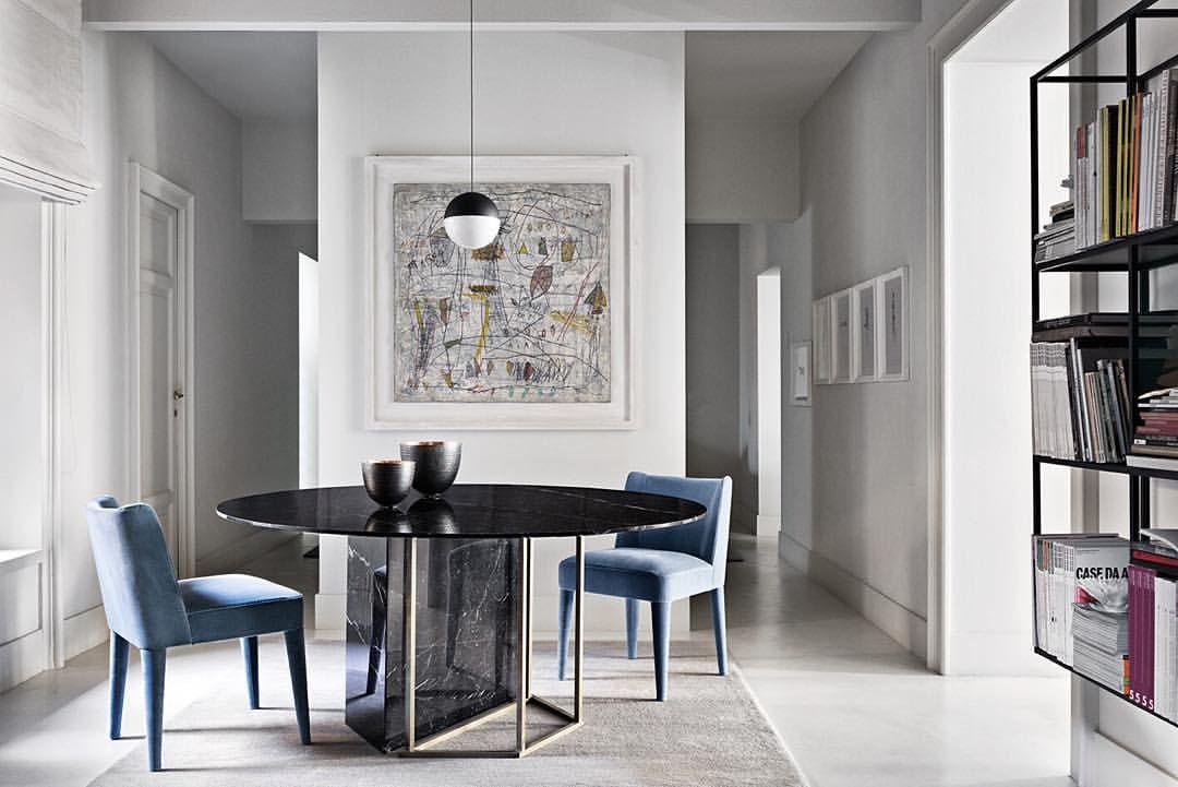 Plinto dining table Design Andrea Parisio meridiani