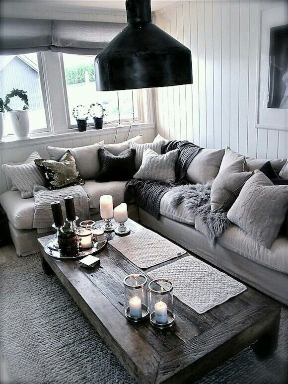 Pin By Dawn Kreiger On Home Decor Ideas Living Room Grey Family Living Rooms Silver Living Room