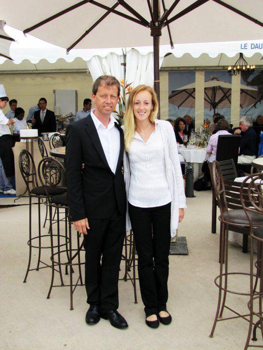 Bert y Karolien, gerentes del restaurante Le Dauphin, posaron para los medios de comunicación.