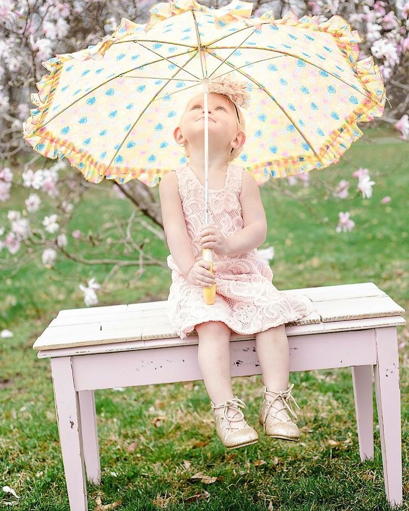 2nd Birthday photoshoot. Spring photoshoot with a vintage
