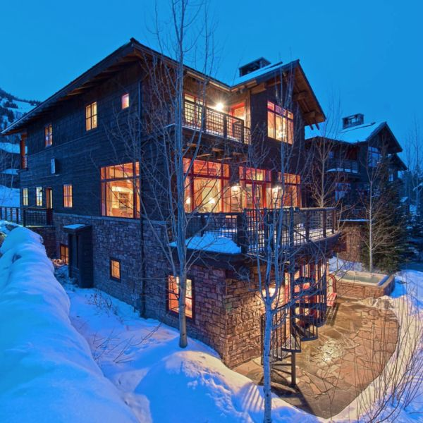 Granite Ridge Lodge Jackson Hole Wyoming This Rustic Ha Is Located In S Teton Village If You Like Outdoor Mountainside Whirlpool