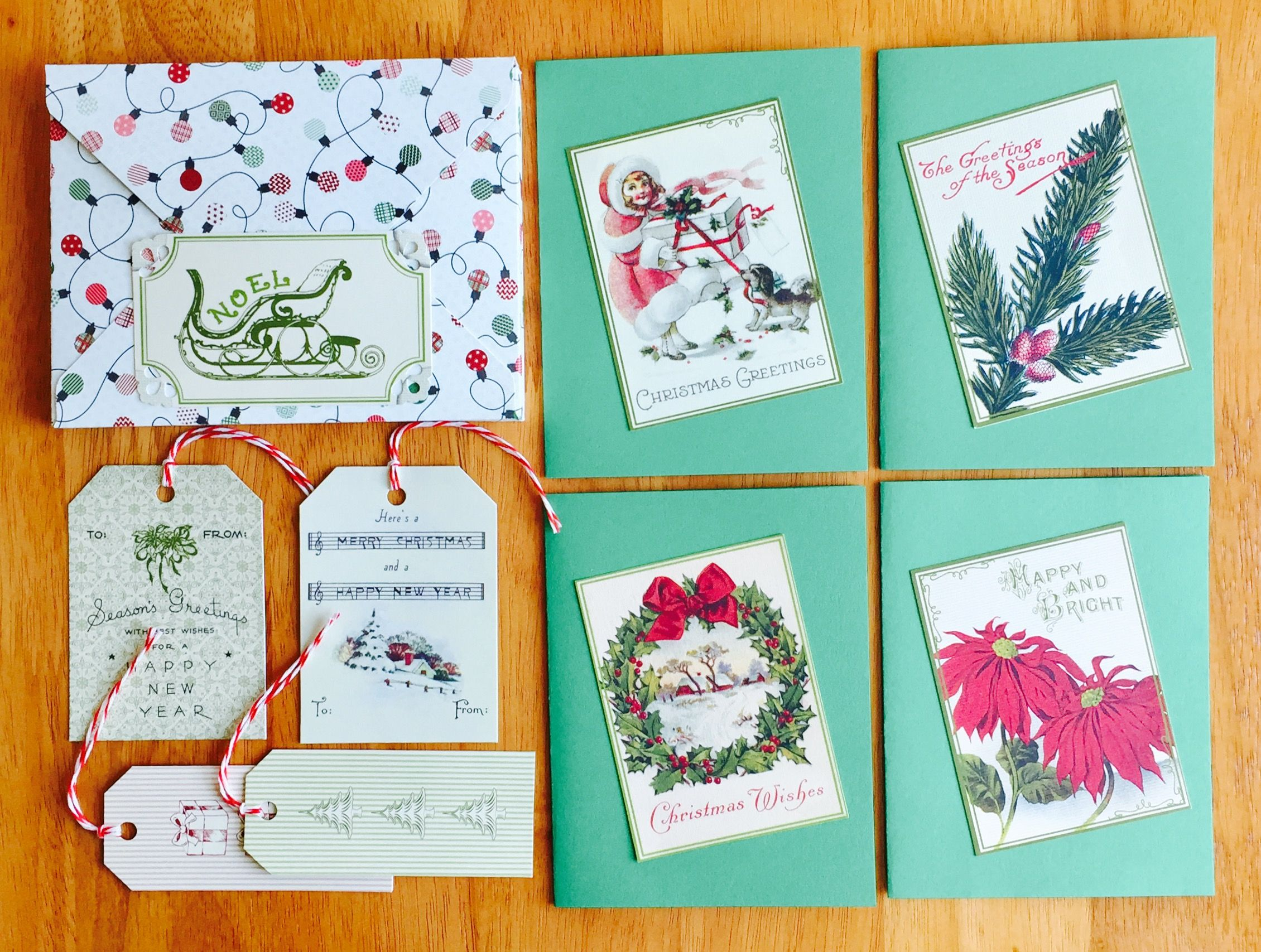 Holiday stationery set, boxed with 4 Christmas cards, 4 envelopes ...