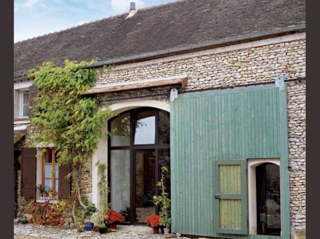 5 portes de grange réinventées avec intelligence ! Architecture - Decoration Encadrement Porte Interieur