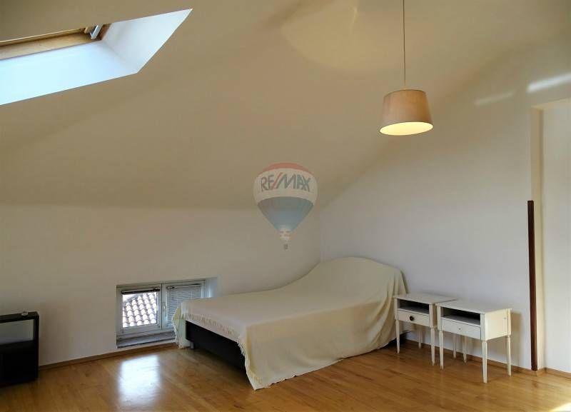 Interesting letto finestra bassa laterale e parte della for Nicchie nel muro idee