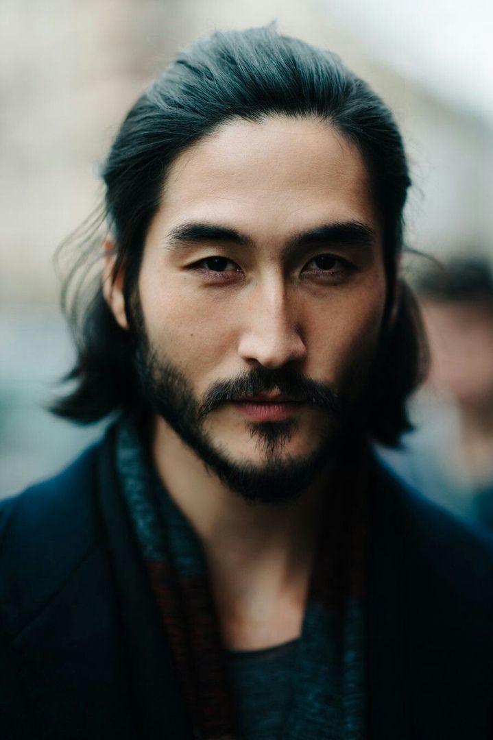 словам местных фото японские мужчины с длинными волосами долго мной
