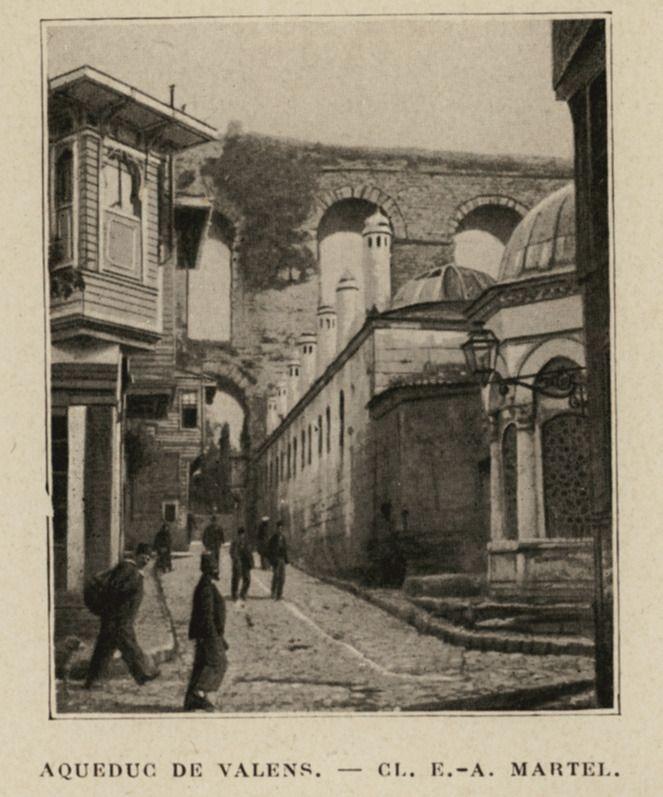Valens Aqueduct in Istanbul. - LAUNAY, Louis de - GEZGİNLERİN BAKIŞI - Yerler... -