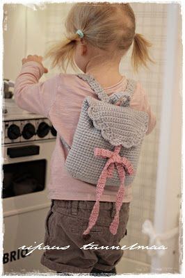 Crochet tutorial little backpack bag for boy or girl . Finnish blog with other cute diy ideas for baby or children