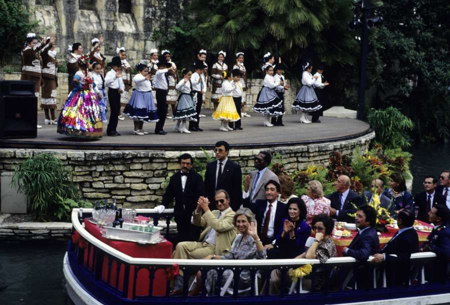 King Juan Carlos and Queen Sofia of Spain | San Antonio Riverwalk