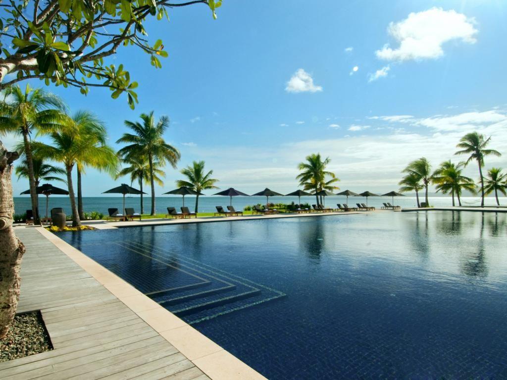 Enjoy a relaxed holiday at Fiji Beach