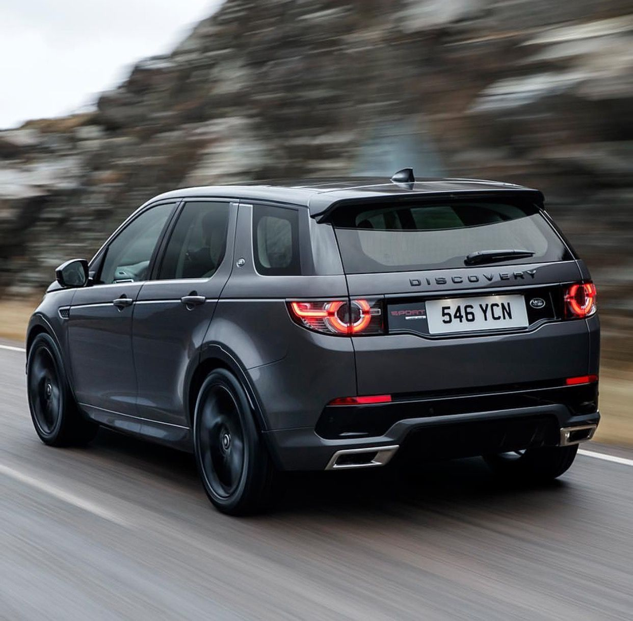 Land Rover Discovery Sport Gets New Hse Dynamic Lux For Frankfurt Land Rover Discovery Sport Discovery Sport Hse Land Rover Discovery