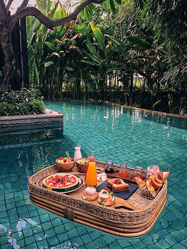 Photo of Is This The Most Beautiful (Floating) Hotel Breakfast?