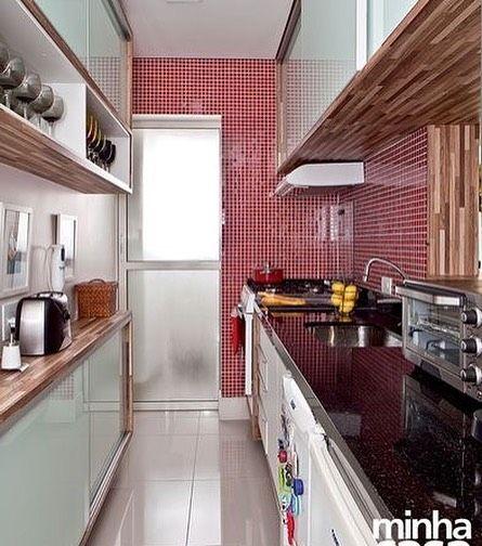 Inspiração: Cozinha Pequena E Bem Planejada #cozinha #decoração #decor # Kitchen #