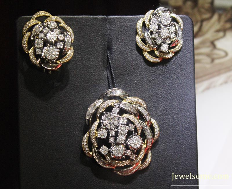 Tanishq inara diamond pendant set | Stuff to Buy | Pinterest ...