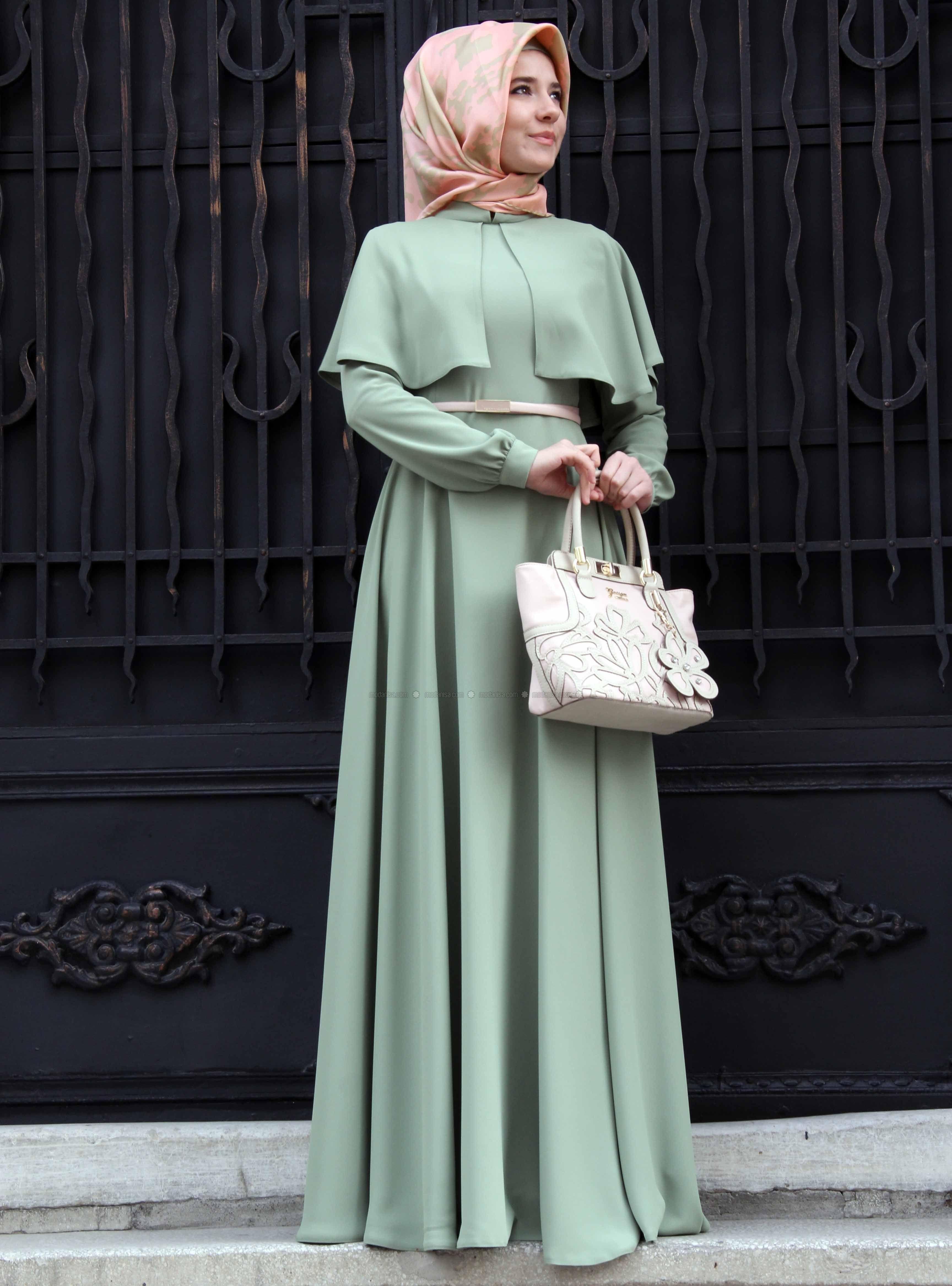 Sade 2015 Pelerinli Tesettur Abiye Modelleri Tesettur Elbise Modelleri Model Baju Wanita Model Pakaian Hijab Model Pakaian