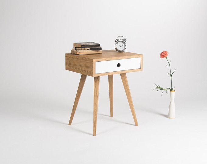 Wir Haben Unsere Nachttisch Entworfen, Gewähren Viele Dekorative Funktionen  Und Passen Zu Jedem Interieur.