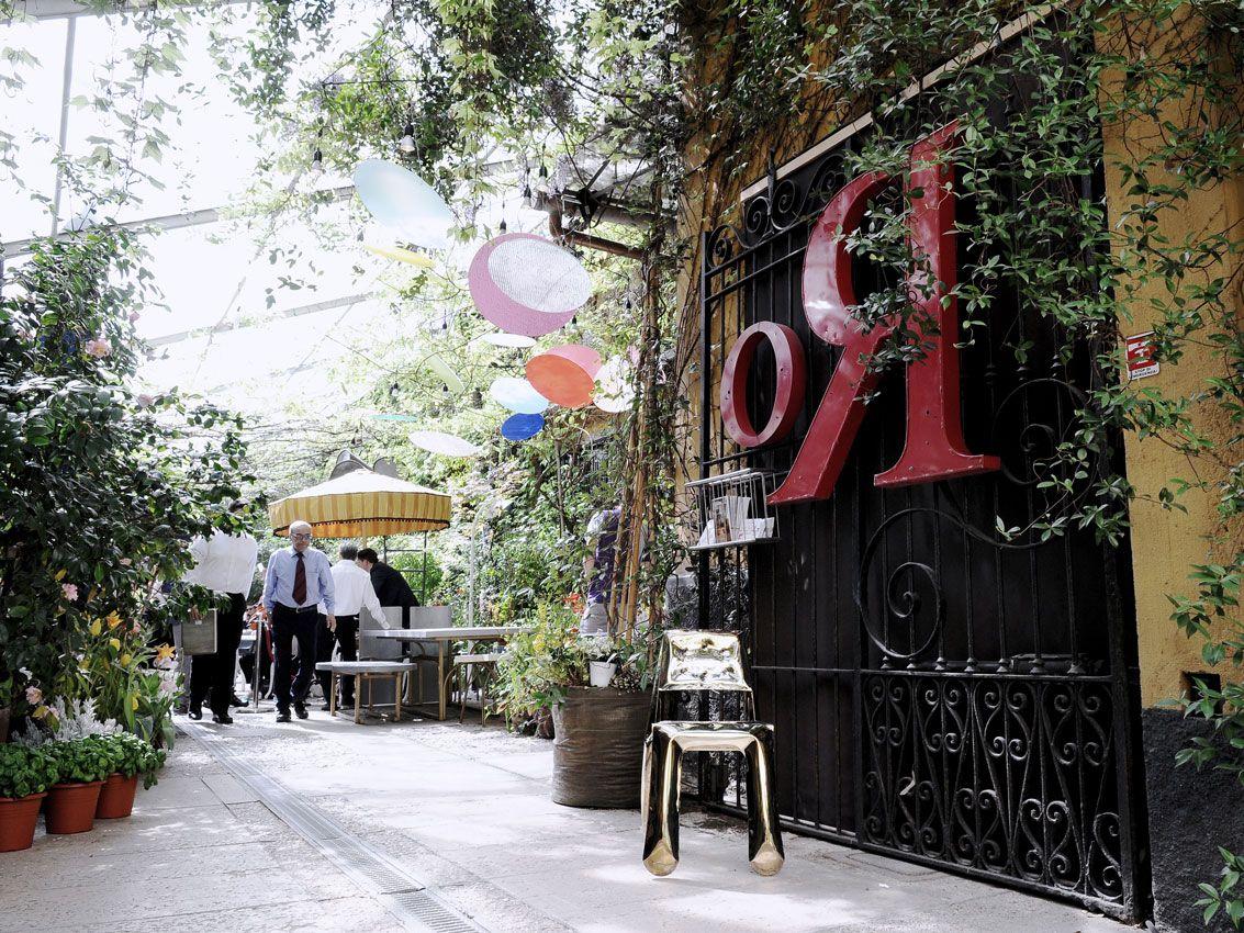 Chippensteel at Rossana Orlandi gallery. #milan2018 #milan #milano #salondelmobile #salonedelmobile2018 #isaloni #isaloni2018 #saldelmobile #milandesignweek #milandesignweek2018 #zieta #zietaprozessdesign #rossanaorlandi #rossanaorlandigallery #spaziorossanaorlandi #fuorisalone #fidu #chippensteel #garden #design #theheat #heatcollection
