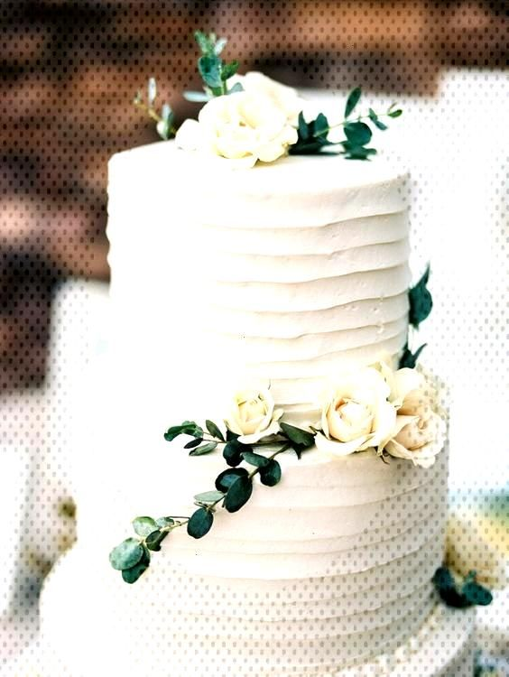18 Simple White Wedding Cakes Ideas for Your 2018 Wedding