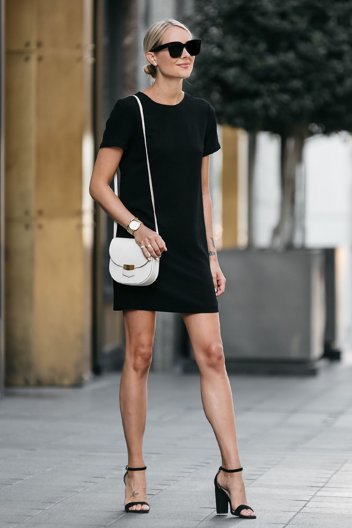 Blonde Wearing Nordstrom Black Shift Dress Outfit Black Ankle Strap Heeled Sandals Celine White Trotteur Handbag Fashion Jackson Simple Casual Outfits Fashion [ 1800 x 1200 Pixel ]