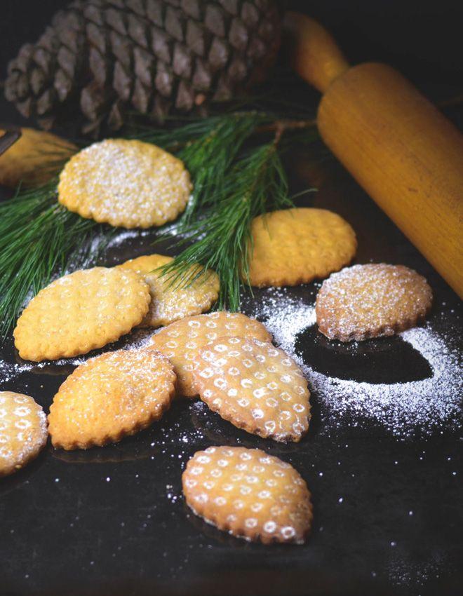Pinienplatzchen Pinienzapfen Biscotti Di Pinoli Cookies Rezepte Kekse Pinienzapfen