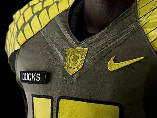 Football Friday  The Top 10 College Football Uniforms of 2013 - Oregon Ducks ee3f39c06