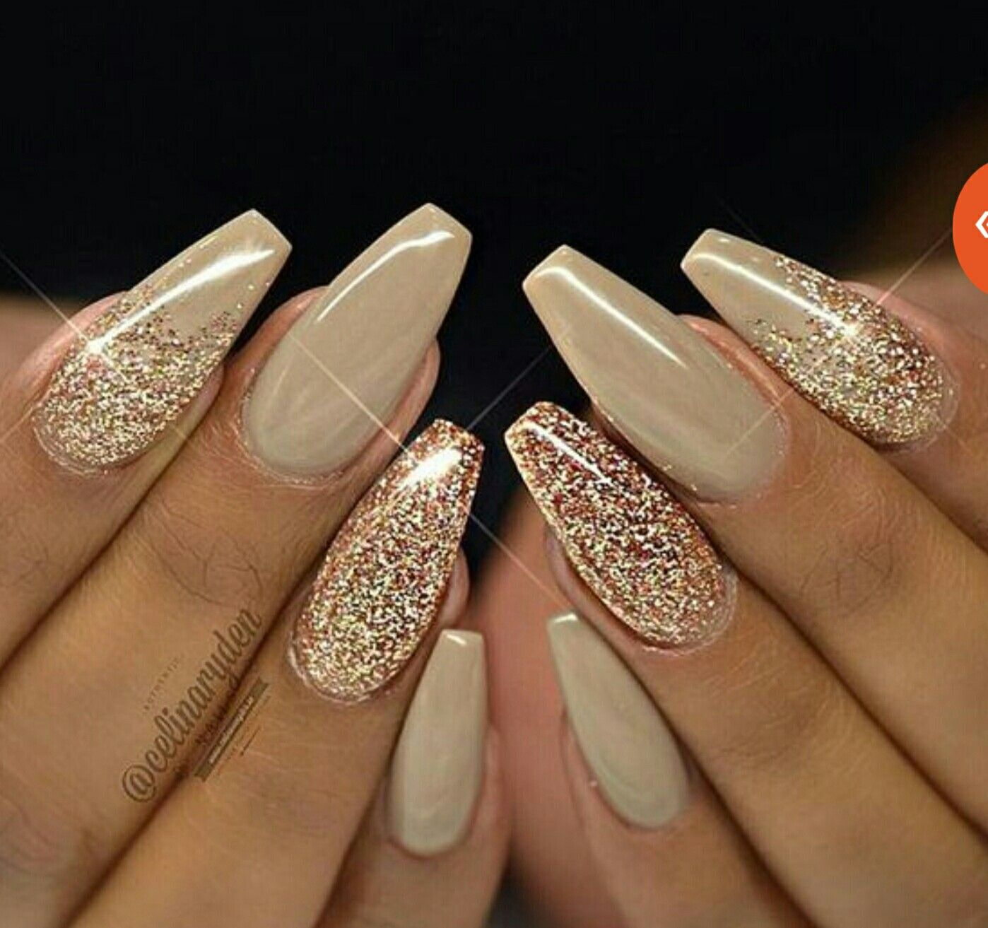 Pin von Courteney Greer auf gold~nude nail polish | Pinterest ...