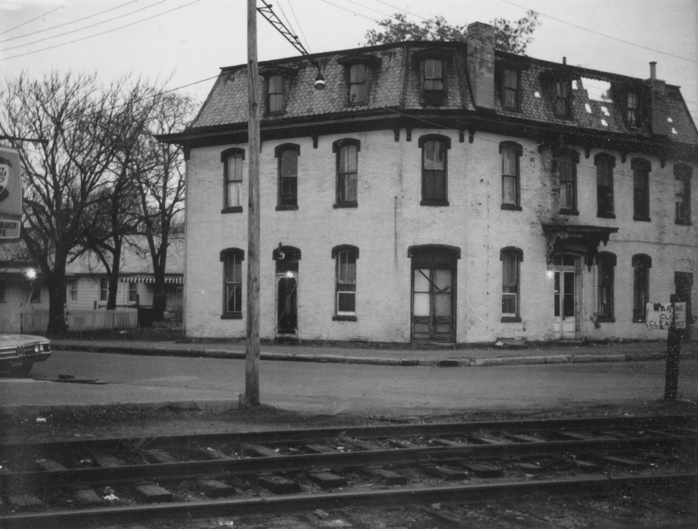 Denny hotel winding and locust photo by charles william