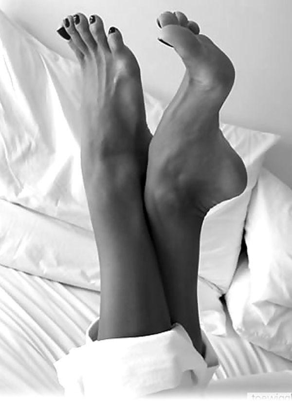 нога в эласьичносбинье фото мужа женой