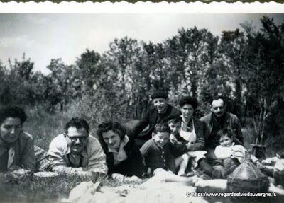 Regards et Vie d'Auvergne, le blog qui met l'Auvergne en avant.: 13 anciennes photos de famille  : Groupes. #vintagephotography #blackandwhite #photography #photodefamille #vintagefashion #blackandwhitephoto