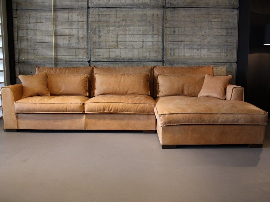 Bruine Leren Lounge Bank.Room108 Leren Loungebank Elena W Turquoise Pillows In