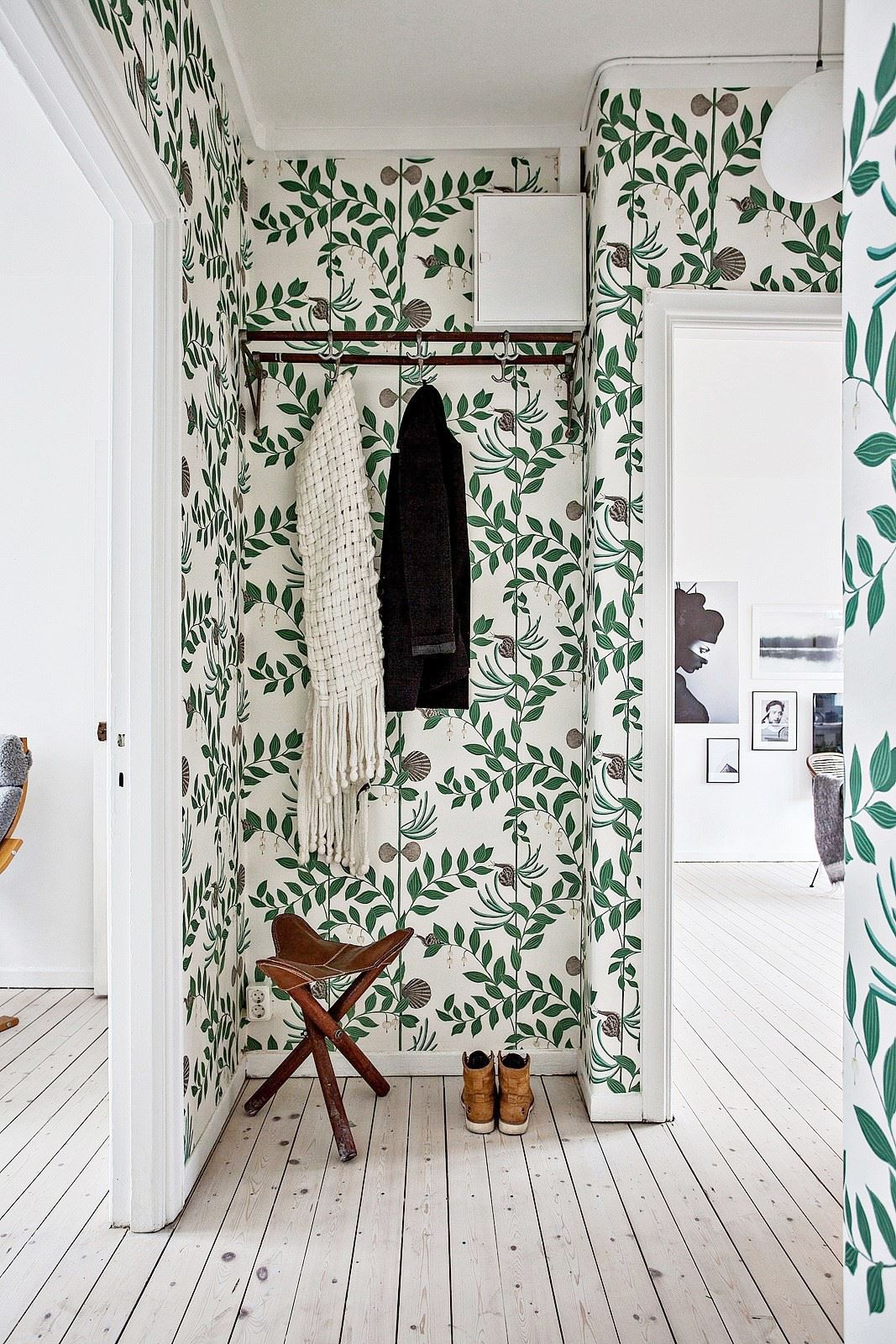 Décoration Couloir Appartement Room Of The Week A Whimsical Wallpapered Hallway