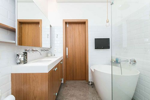 Hout en beton in badkamer ontwerp badkamers