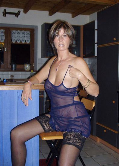 Mature amateurs in lingerie