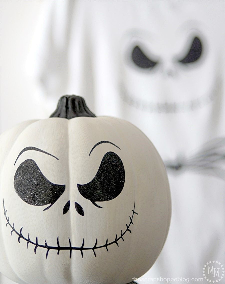 Make a DIY Jack Skellington shirt or decorated pumpkin using HTV and adhesive vinyl! #pumpkinpaintingideas