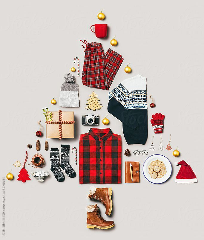 Christmas Still Life Outfit And Accessories For Christmas Time By Bonninstudi Accessories Bonn Christmas Advertising Christmas Editorial Christmas Props