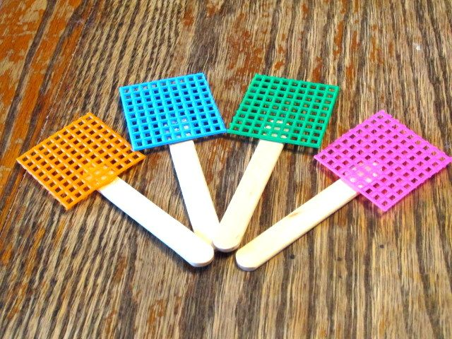 Mini Fly-Swatters made by using craft stick and plastic canvas! How ...