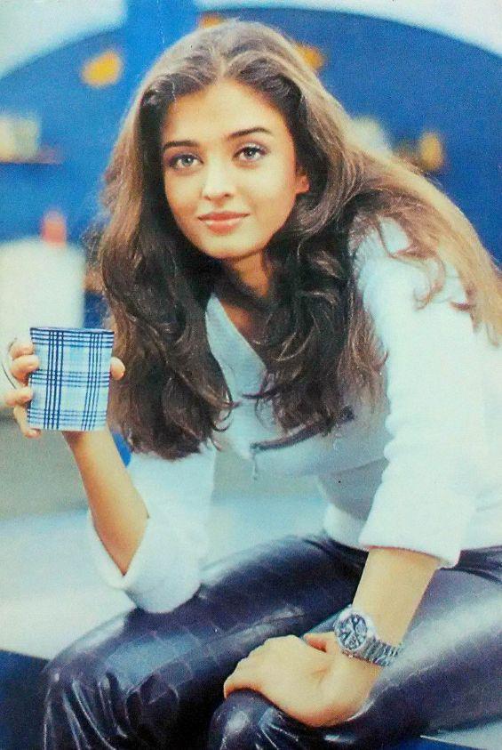 Bollywood Actor Aishwarya Rai Bachchan India Rare Old Post Card Postcard Aishwarya Rai Young Aishwarya Rai Actress Aishwarya Rai