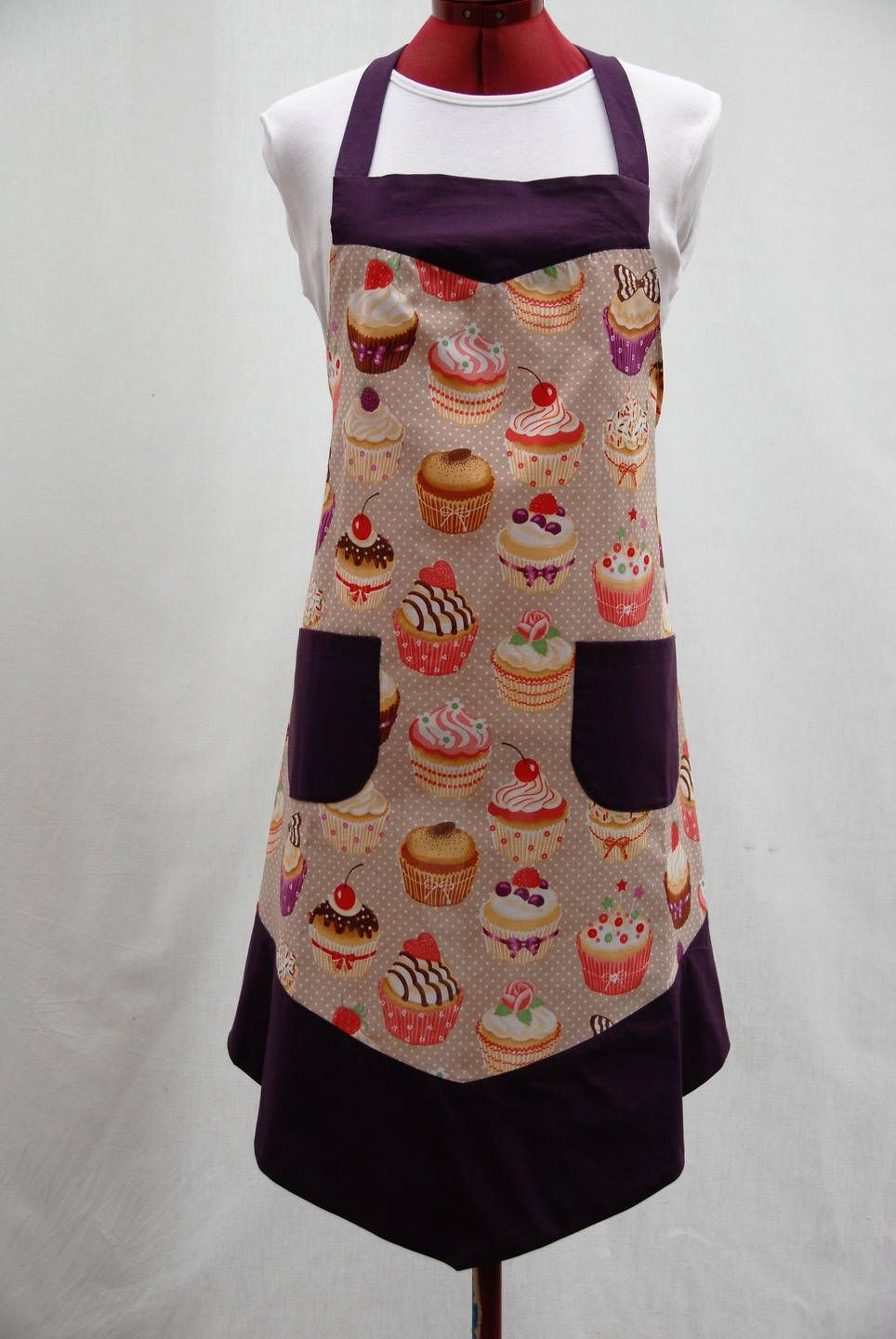 apron of cooking kitchen woman hand made unique only cup cake tablier de cuisine femmes. Black Bedroom Furniture Sets. Home Design Ideas