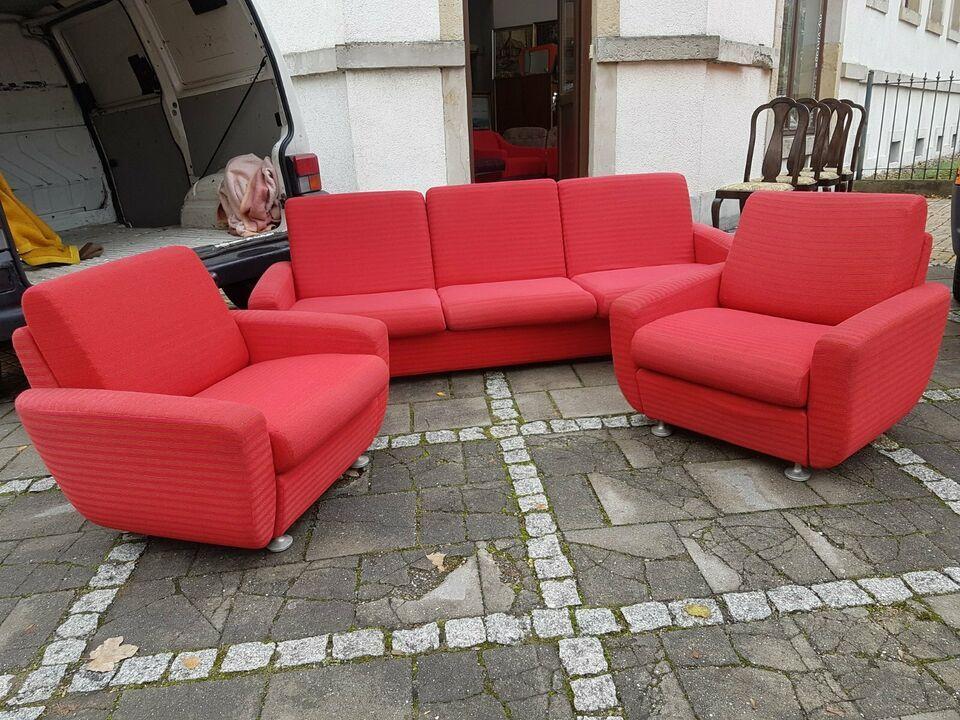 Originale Ddr Couchgarnitur Aus Den 70ern Mit Klappcouch Mit Schlaffunktion Und 2 Dazugehorige Sessel Auf Rollen Alles K In 2020 Couch Mit Schlaffunktion Couch Sessel
