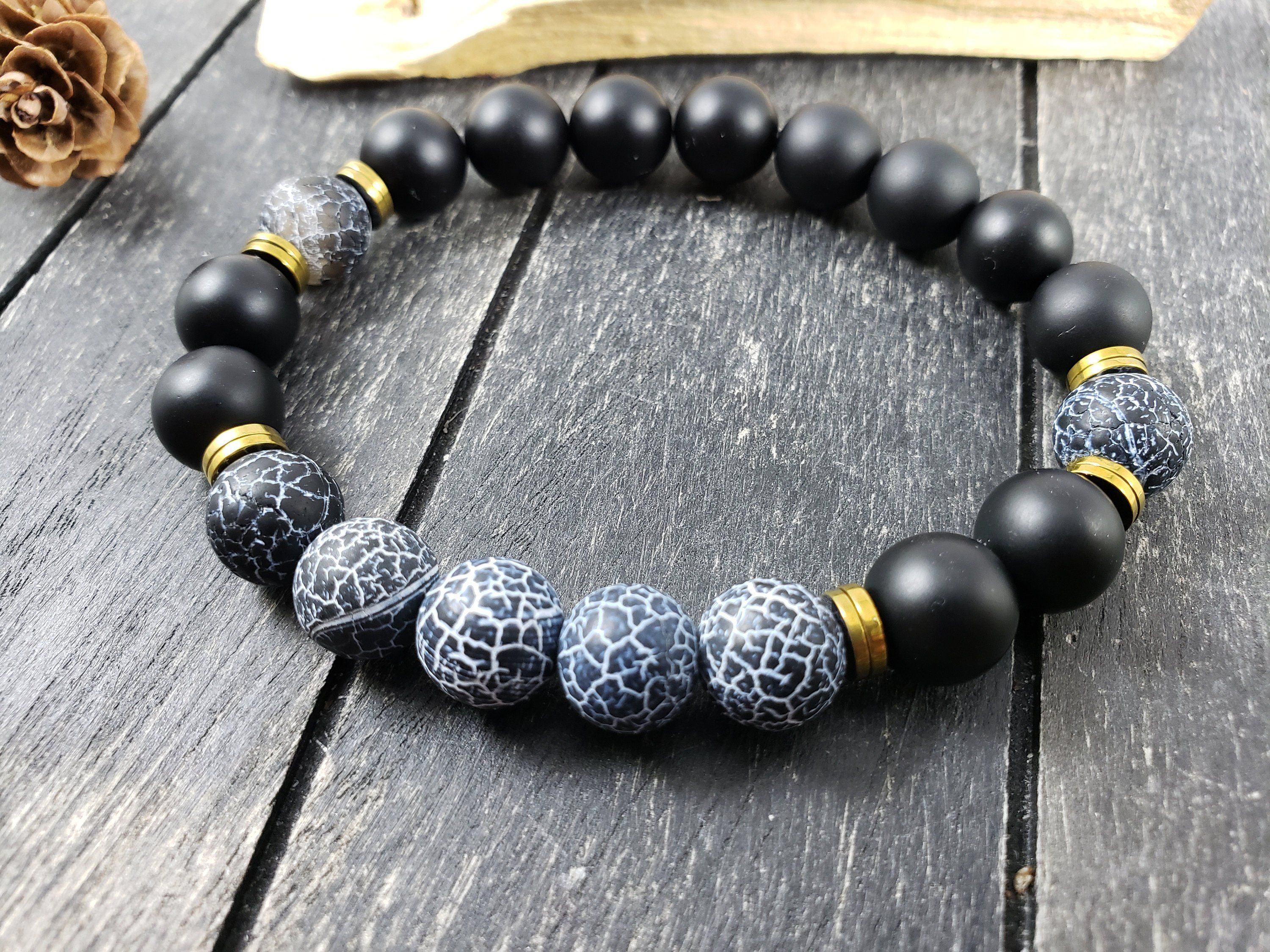 Black and Gold Men/'s bracelet with hematite and howlite