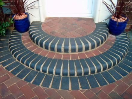 Landscaping Ideas On Rounded Front Door Step With Single Bullnose