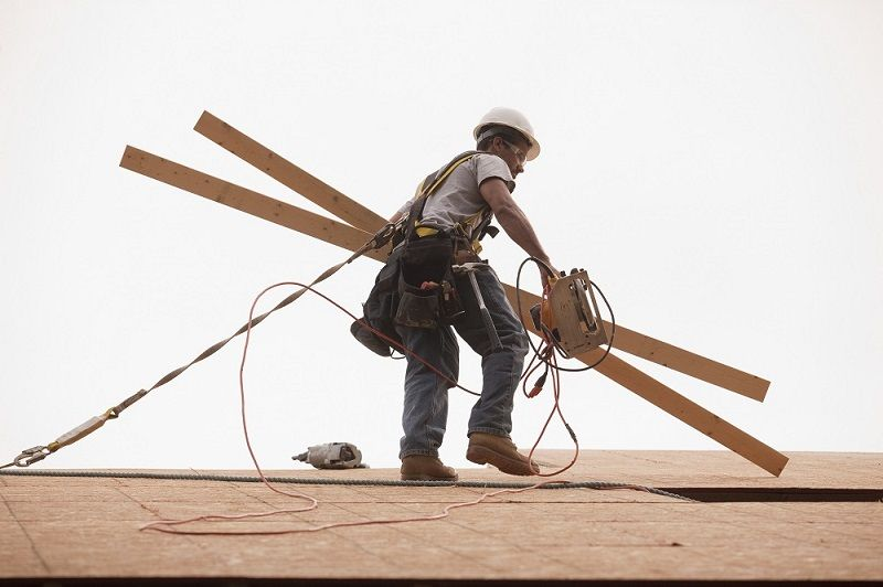 Roof Fall Protection Everything You Need To Know Roof Safety Harness Fall Prevention Fall Arrest System