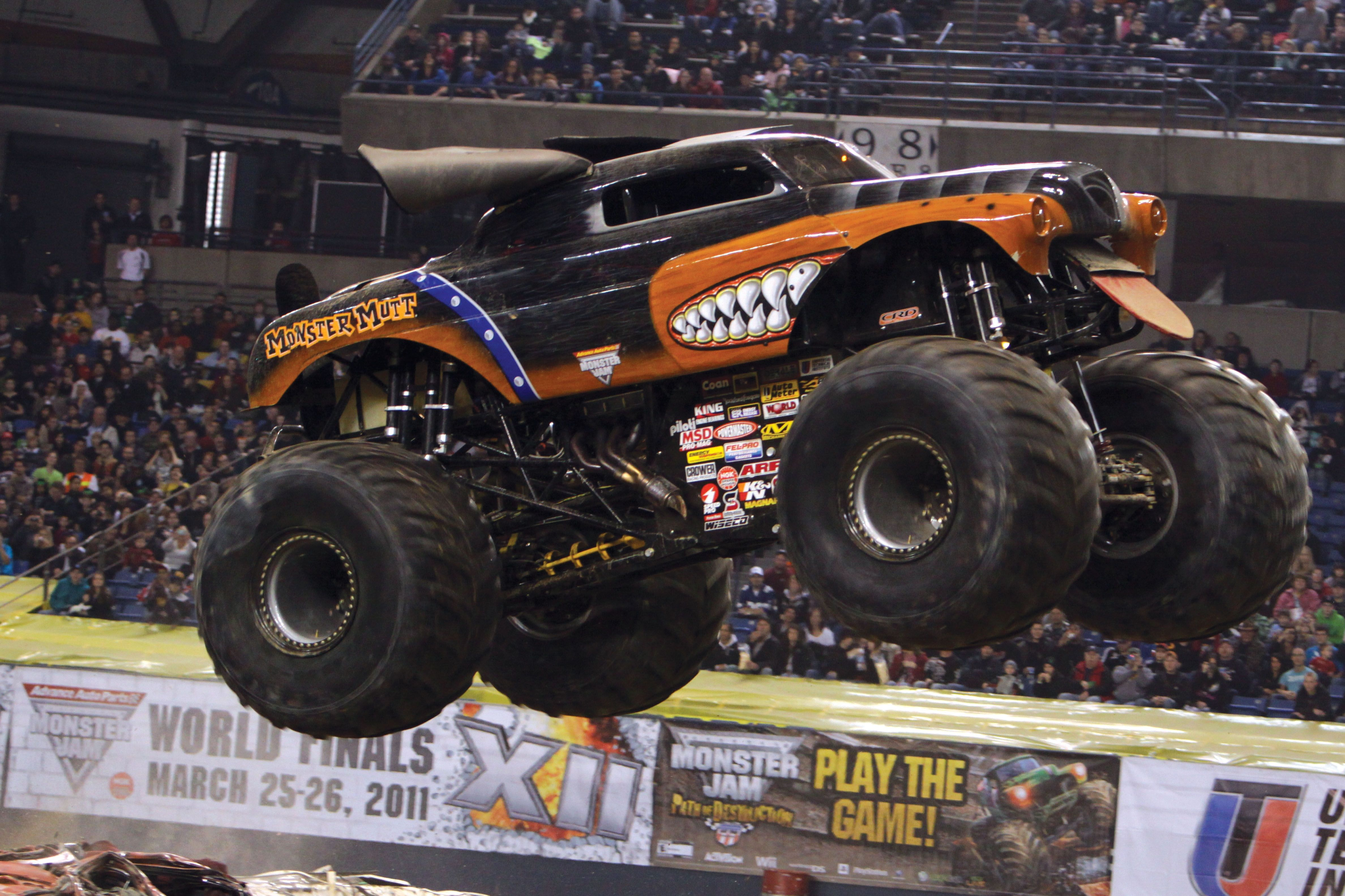 Monster mutt rottweiler monster truck