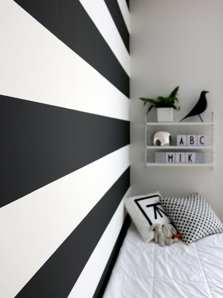 Graphite Old White Bedroom Transformation With Wall Paint By Annie Sloan Bedroom Wallpaper Black And White Bedroom Paint Design Wallpaper Bedroom