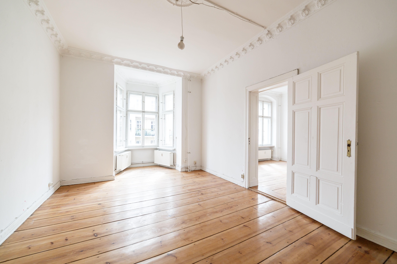 Schicker Altbau In Tollem Gebaude Mit Kurzlich Renovierter Historischer Strassenfassade Wohnung Kaufen Immobilien Altbau