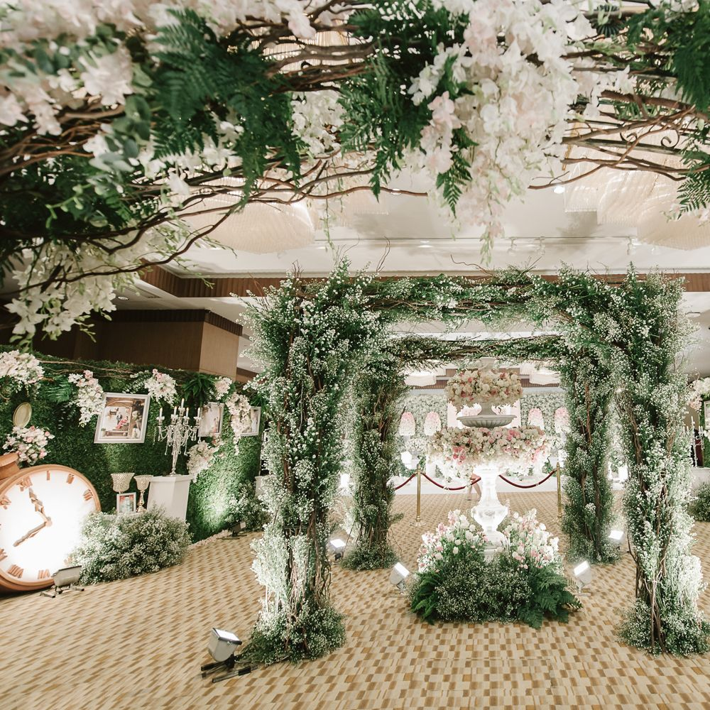 Let the magic begin photo by ladawan the wedding planner location photo by ladawan the wedding planner location crystal hall junglespirit Images
