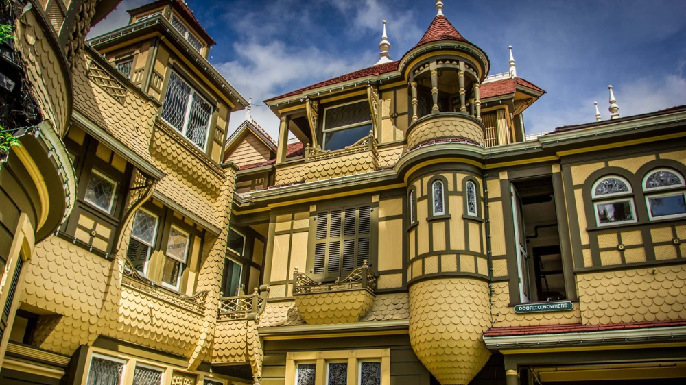Winchester Mystery House fering Virtual Tours to Homebound Horror Fans